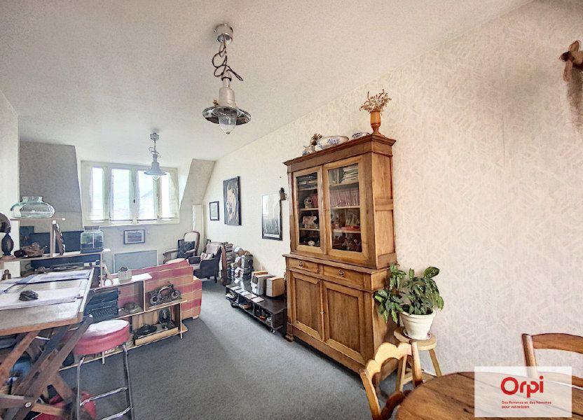 Appartement à louer 50m2 à Néris-les-Bains