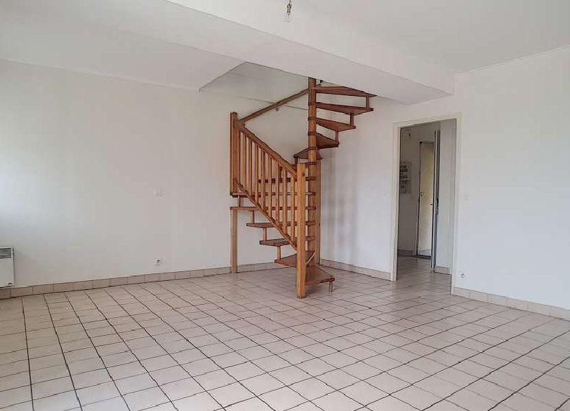 Appartement à louer 64.75m2 à Toury