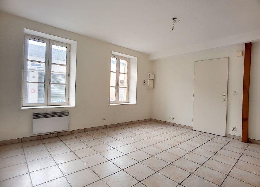 Appartement à louer 27.15m2 à Bellegarde