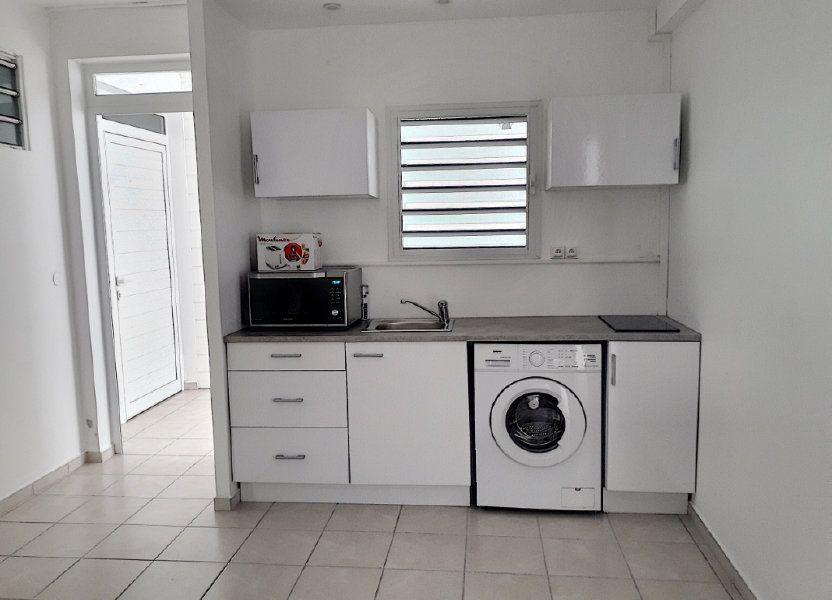 Appartement à louer 50m2 à Sainte-Anne