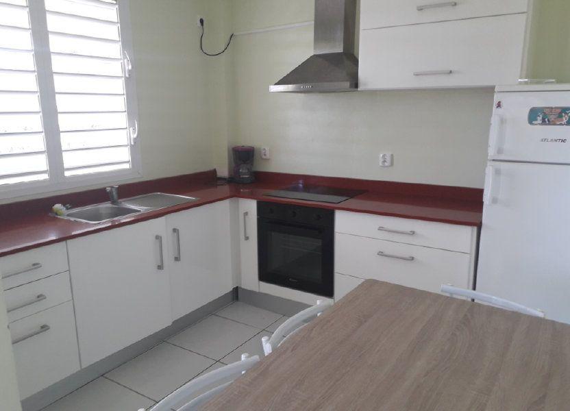 Appartement à louer 42m2 à Sainte-Anne