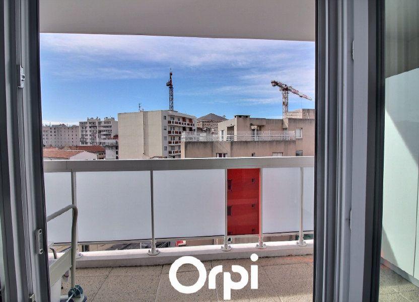 Appartement à louer 63m2 à Marseille 8