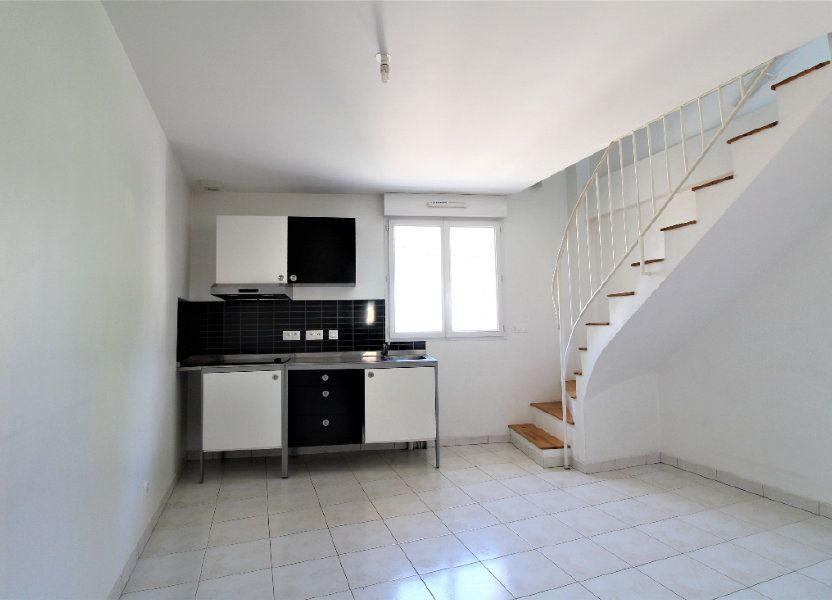 Appartement à louer 35.98m2 à La Ville-du-Bois