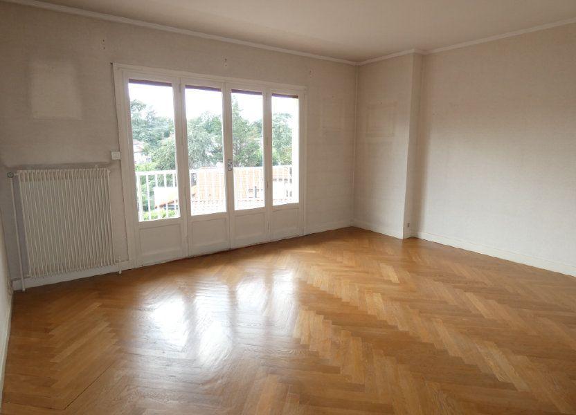 Appartement à louer 72.68m2 à Saint-Genis-Laval