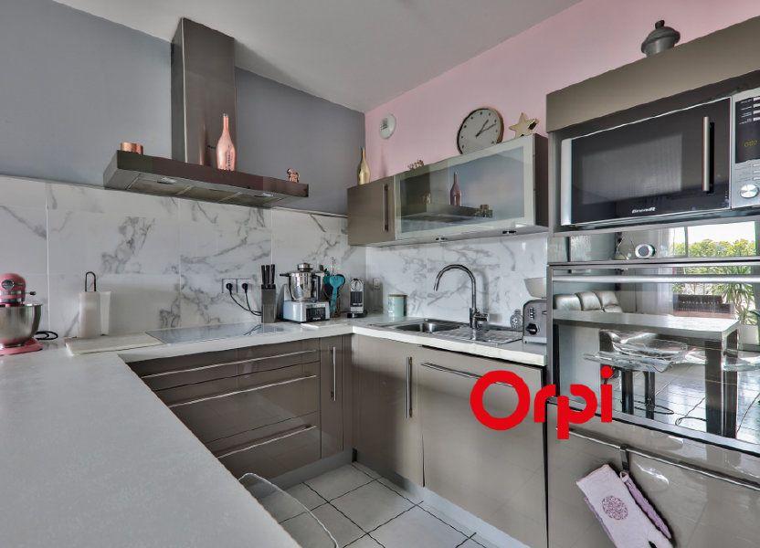 Appartement à vendre 77.6m2 à Vaulx-en-Velin