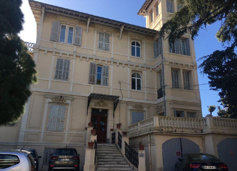 Appartement à louer 115.82m2 à Nice