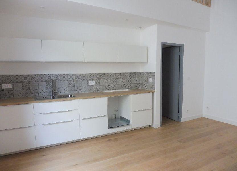 Appartement à louer 60.9m2 à Avignon
