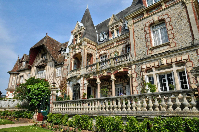 Immobilier centre ville clos pasteur cap cabourg for Piscine cabourg