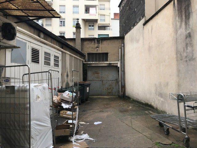 Entrepôt à louer 0 65m2 à Lyon 7 vignette-5