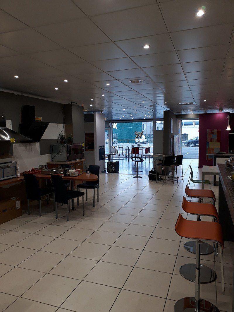Local commercial à louer 0 400m2 à Bourges vignette-2
