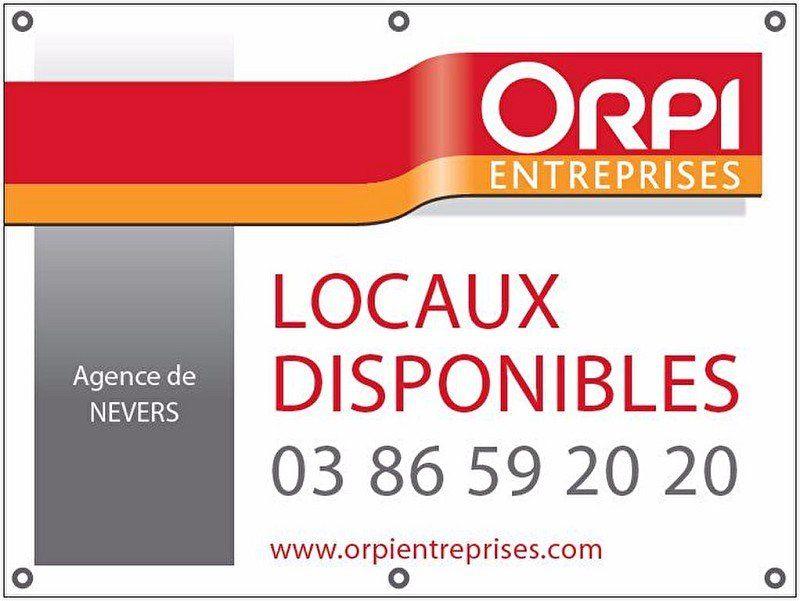 Local commercial à louer 0 90m2 à Nevers vignette-5