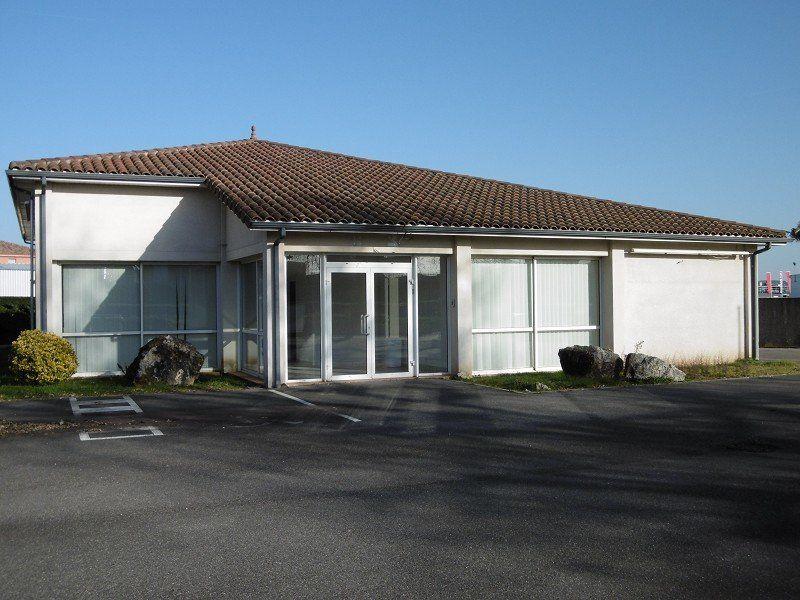 Bureaux à louer 0 225m2 à Montauban vignette-1