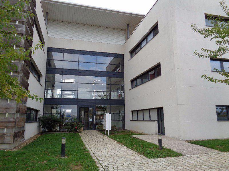 Bureaux à louer 0 214m2 à Saint-Cyr-sur-Loire vignette-7