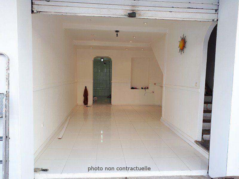 Local commercial à vendre 0 110m2 à Fort-de-France vignette-2