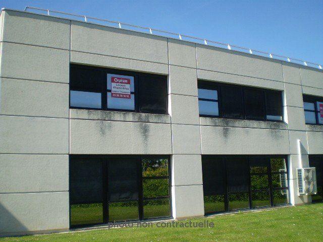 Bureaux à louer 0 121m2 à Reims vignette-1