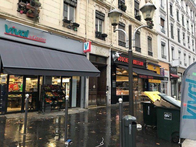 Entrepôt à louer 0 65m2 à Lyon 7 vignette-3