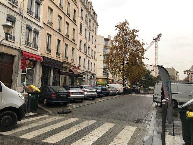 Entrepôt à louer 0 65m2 à Lyon 7 vignette-6