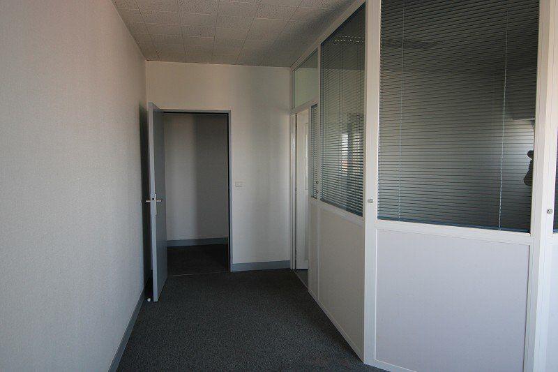 Bureaux à vendre 0 512m2 à Orléans vignette-5