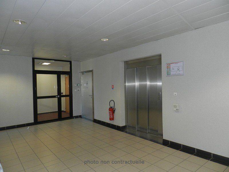 Bureaux à louer 0 474m2 à Bussy-Saint-Georges vignette-6