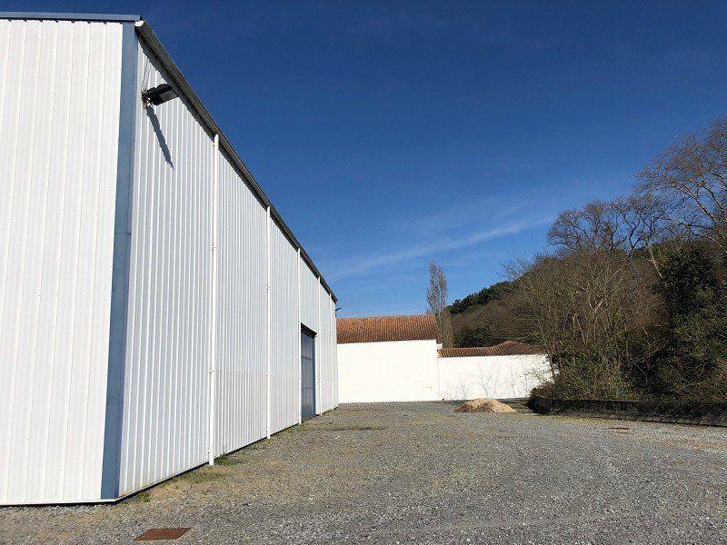 Local d'activité à louer 0 803m2 à Saint-Jean-de-Luz vignette-5
