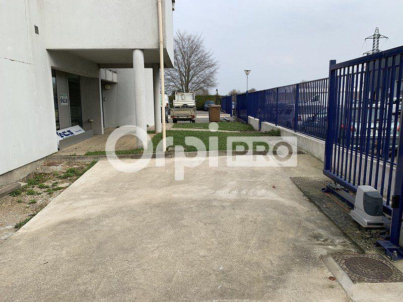Bureaux à louer 0 140m2 à Beauvais vignette-4