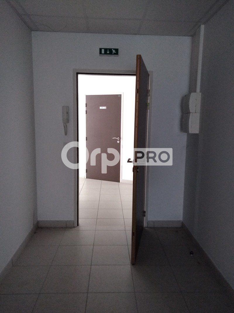 Bureaux à louer 0 97m2 à Grigny vignette-9