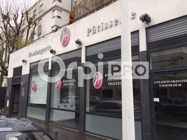Local commercial à louer 0 281m2 à Lyon 7 vignette-8
