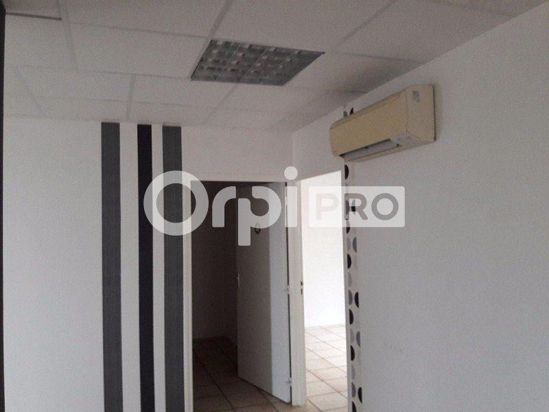 Bureaux à louer 0 180m2 à Cosne-Cours-sur-Loire vignette-6