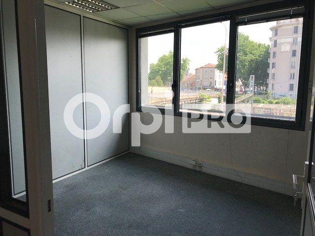 Bureaux à louer 0 183m2 à Lyon 7 vignette-5