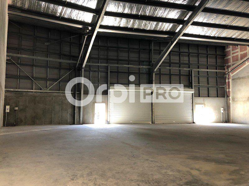 Entrepôt à louer 0 440m2 à Fort-de-France vignette-2