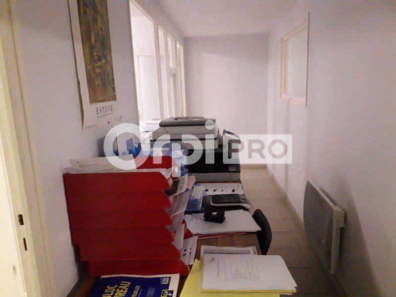 Bureaux à louer 0 141m2 à Montluçon vignette-4