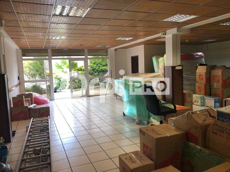 Local commercial à louer 0 107m2 à Ducos vignette-1