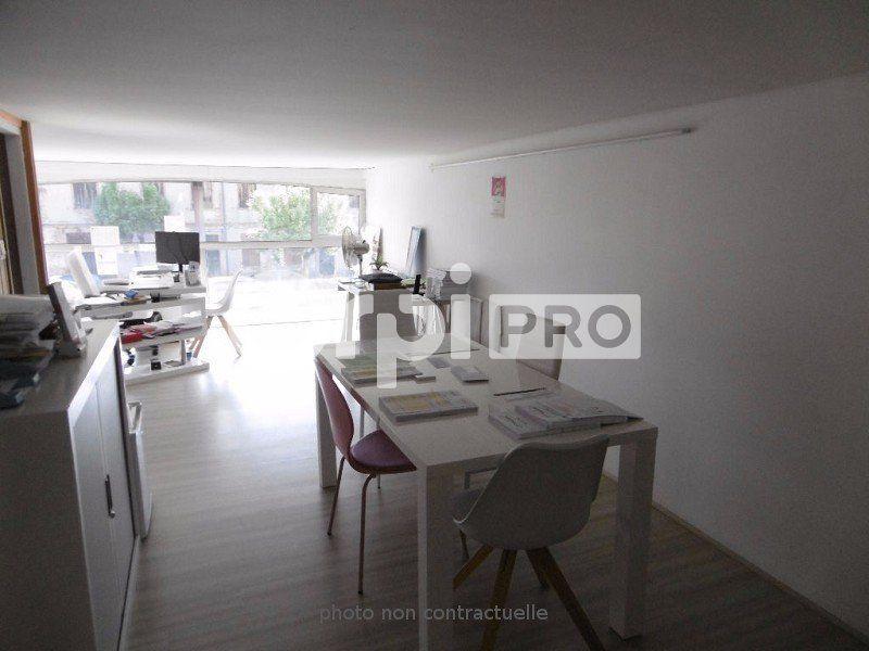 Bureaux à louer 0 110m2 à Montauban vignette-2