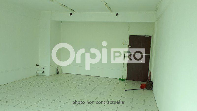 Local d'activité à louer 0 39m2 à Le Lamentin vignette-3