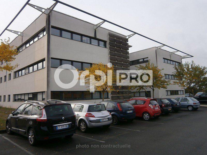 Bureaux à louer 0 217m2 à Saint-Cyr-sur-Loire vignette-6