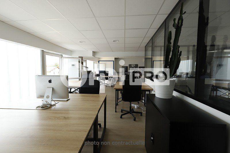 Local d'activité à vendre 0 234m2 à Saulx-les-Chartreux vignette-6