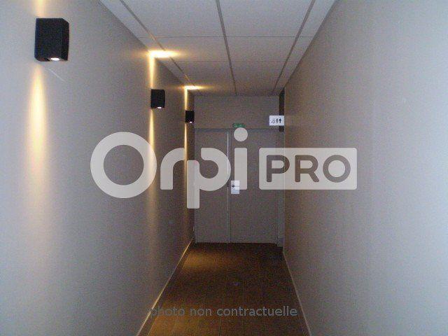 Bureaux à louer 0 86m2 à Reims vignette-2