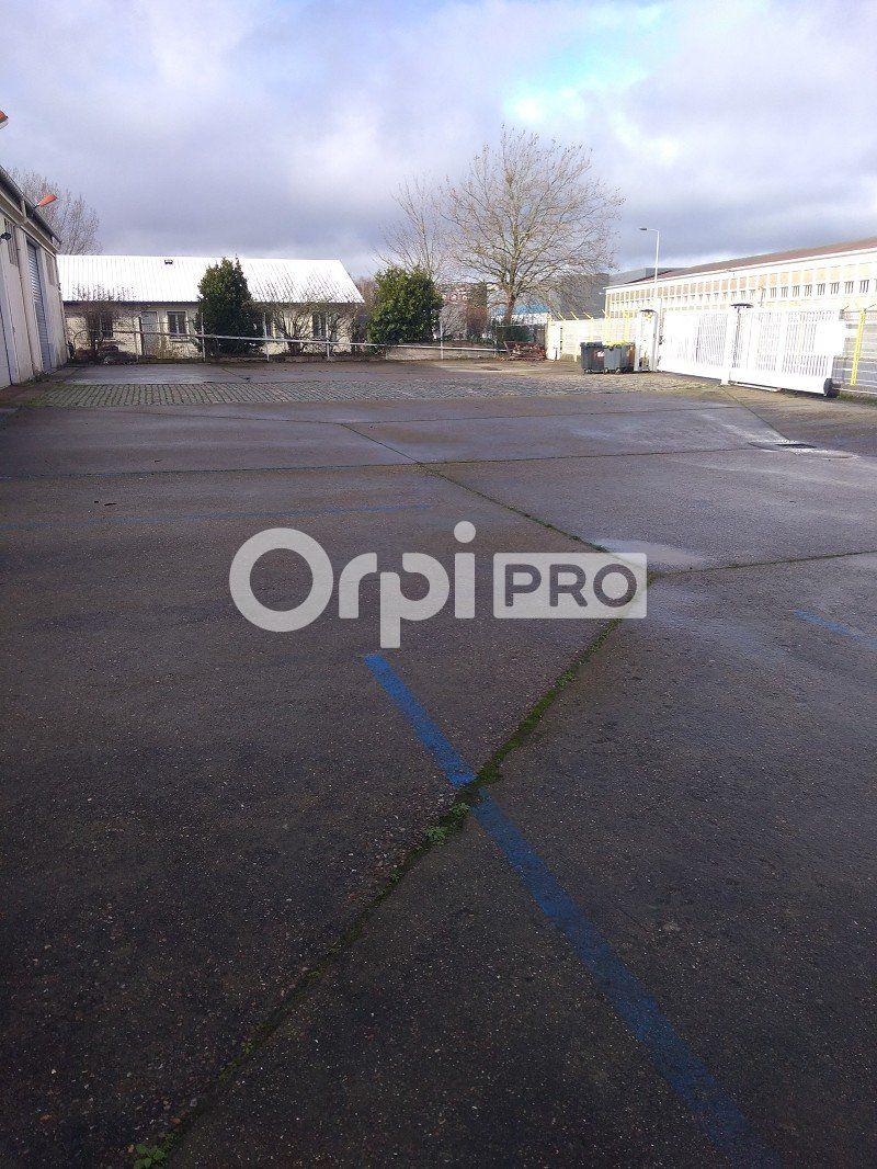 Local d'activité à louer 0 840m2 à Le Havre vignette-3