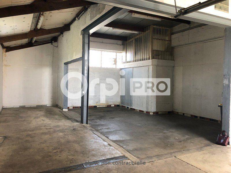 Entrepôt à louer 0 200m2 à Reims vignette-4