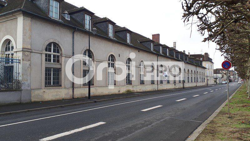 Local commercial à louer 0 145m2 à Compiègne vignette-1