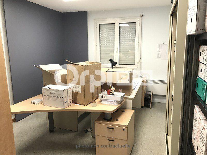 Bureaux à louer 0 70m2 à Limoges vignette-6