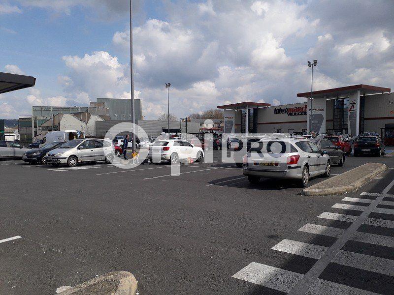 Local commercial à louer 0 560m2 à Montluçon vignette-3