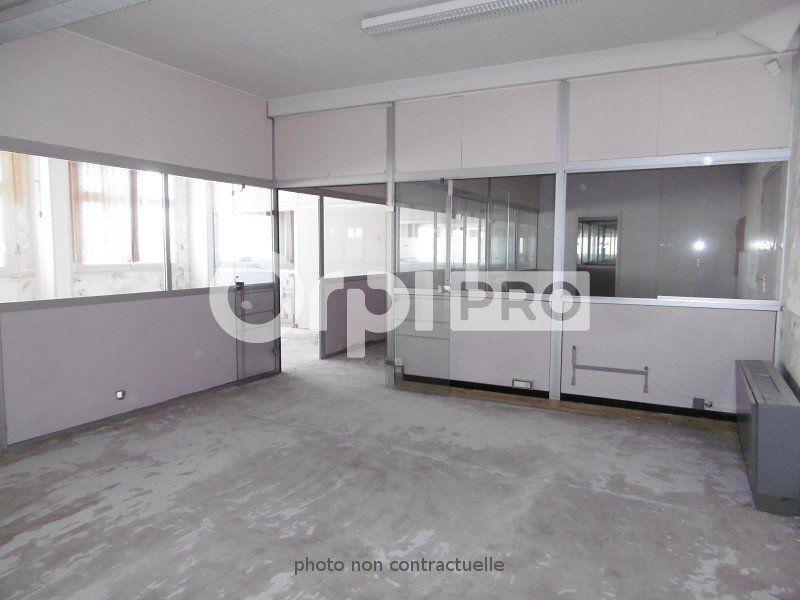 Entrepôt à louer 0 6000m2 à Montauban vignette-7