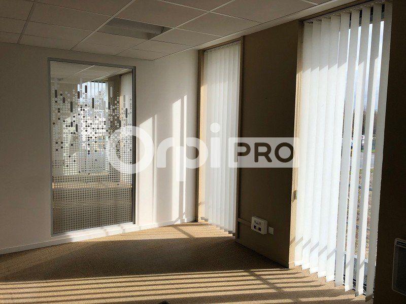 Bureaux à louer 0 230m2 à Reims vignette-2