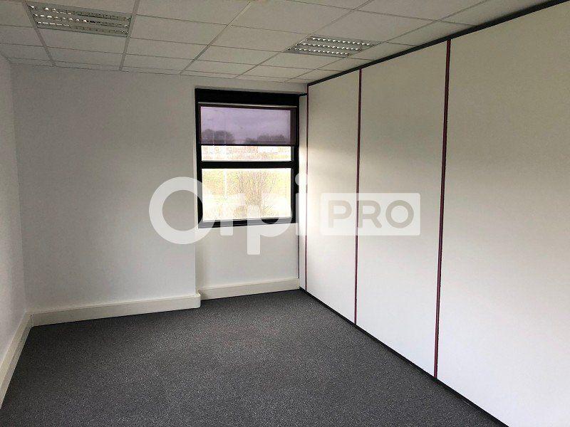 Bureaux à louer 0 150m2 à Reims vignette-3