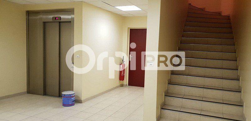 Bureaux à louer 0 459m2 à Saint-Maur-des-Fossés vignette-4