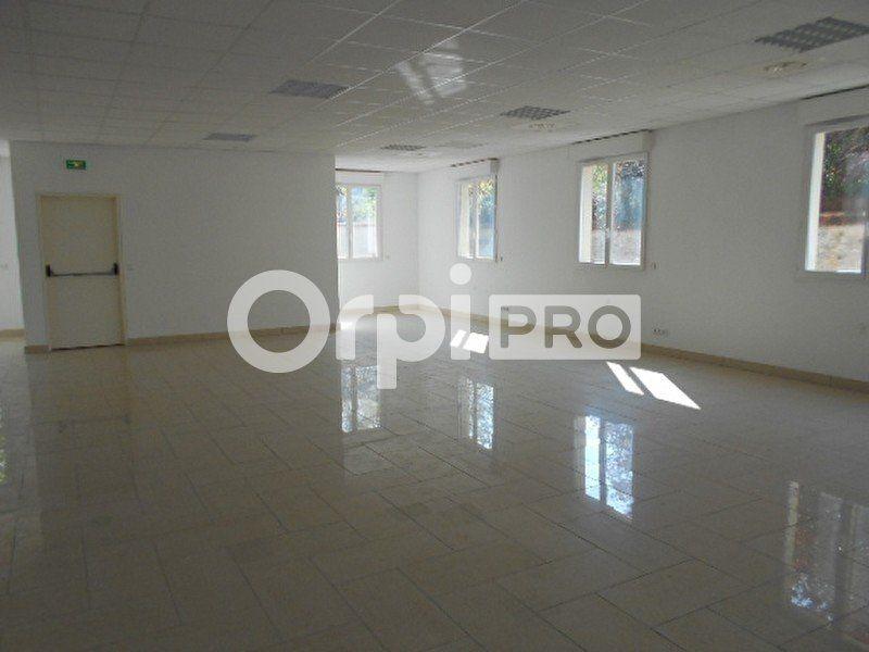 Bureaux à louer 0 622m2 à Dammarie-les-Lys vignette-4