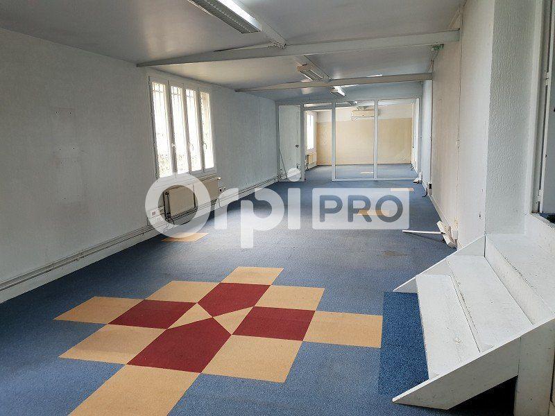 Bureaux à louer 0 235m2 à Champlan vignette-3