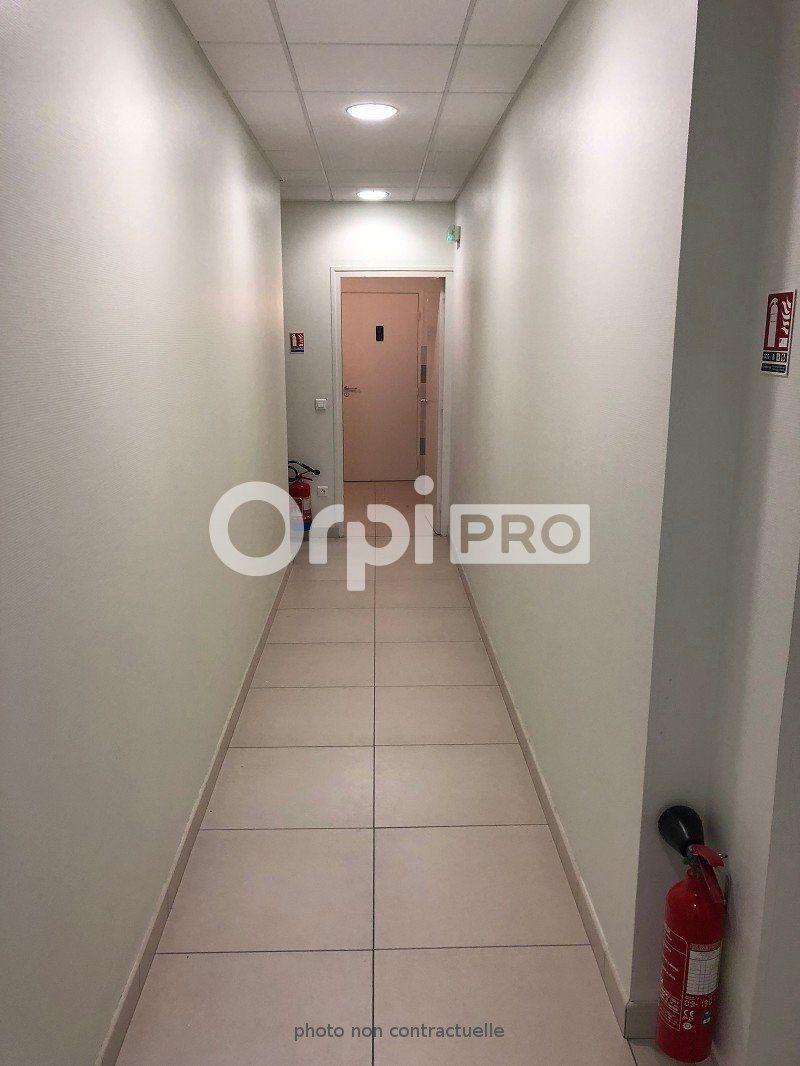 Bureaux à louer 0 190m2 à Reims vignette-5