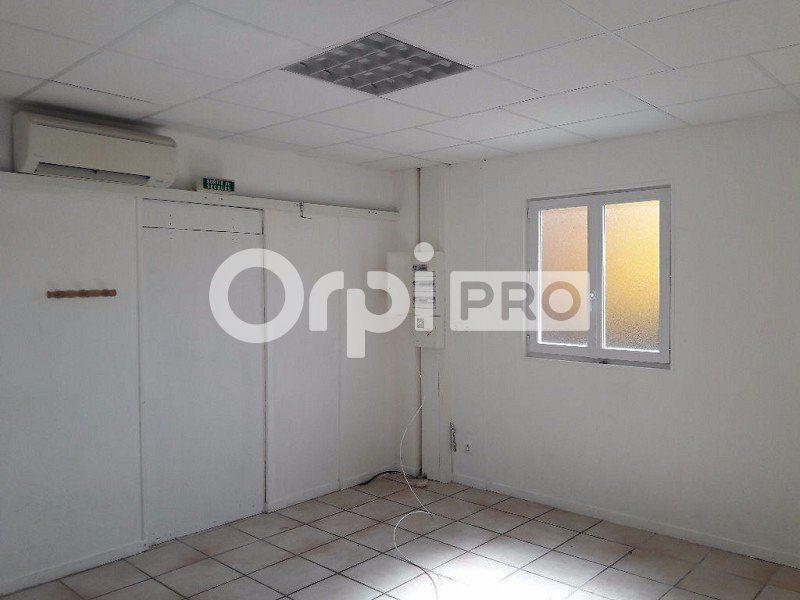 Bureaux à louer 0 180m2 à Cosne-Cours-sur-Loire vignette-3